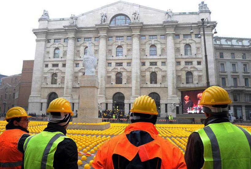 *10000頂黃色頭盔:視覺藝術的無聲抗議! 3