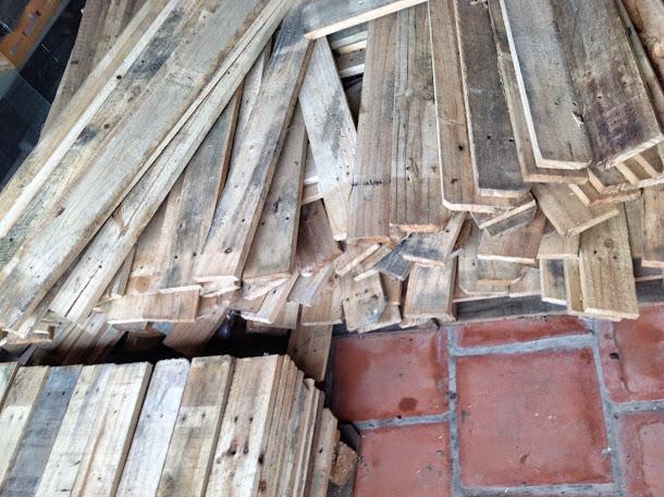 thanh lý pallet gỗ cũ