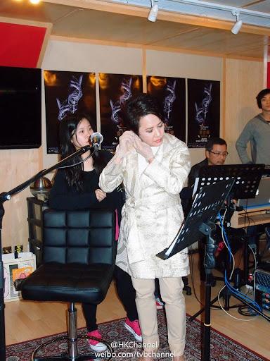 「葉德嫻Sing for me 演唱會」今日與音樂縂監倫永亮齊齊在錄音室練歌