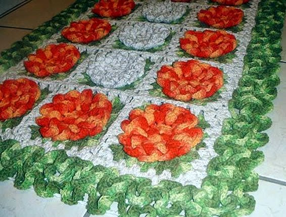 Tapete em barbante com flores