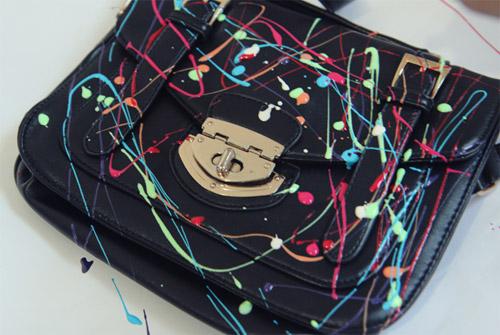 Bolsa customizada com esmaltes
