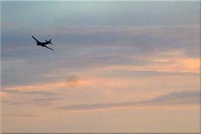 Avión en el cielo de Dakar