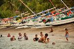 wodne szaleństwo koło przystani na Lomboku