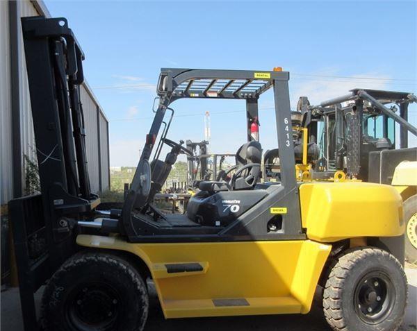 Xe nâng Komatsu 7 tấn