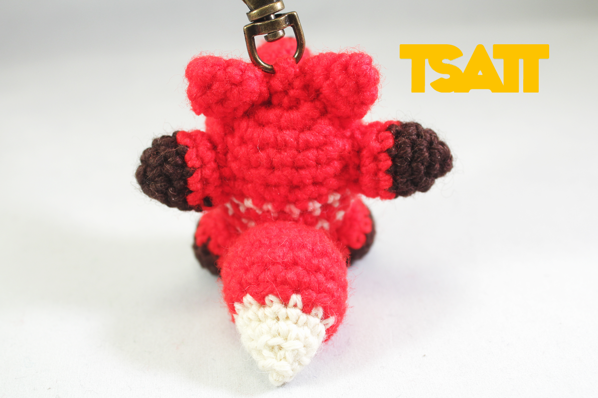 Amigurumi Fox keychain crochet pattern | The Sun and the Turtle