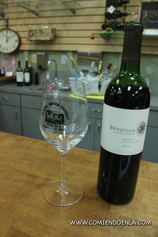 Catando vinos en Sonoma