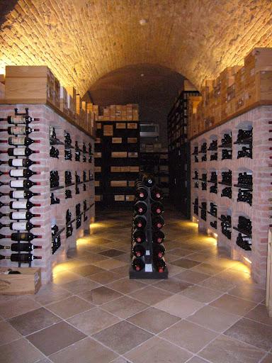 Bodega de vinos franceses en el Palais Coburg de Viena