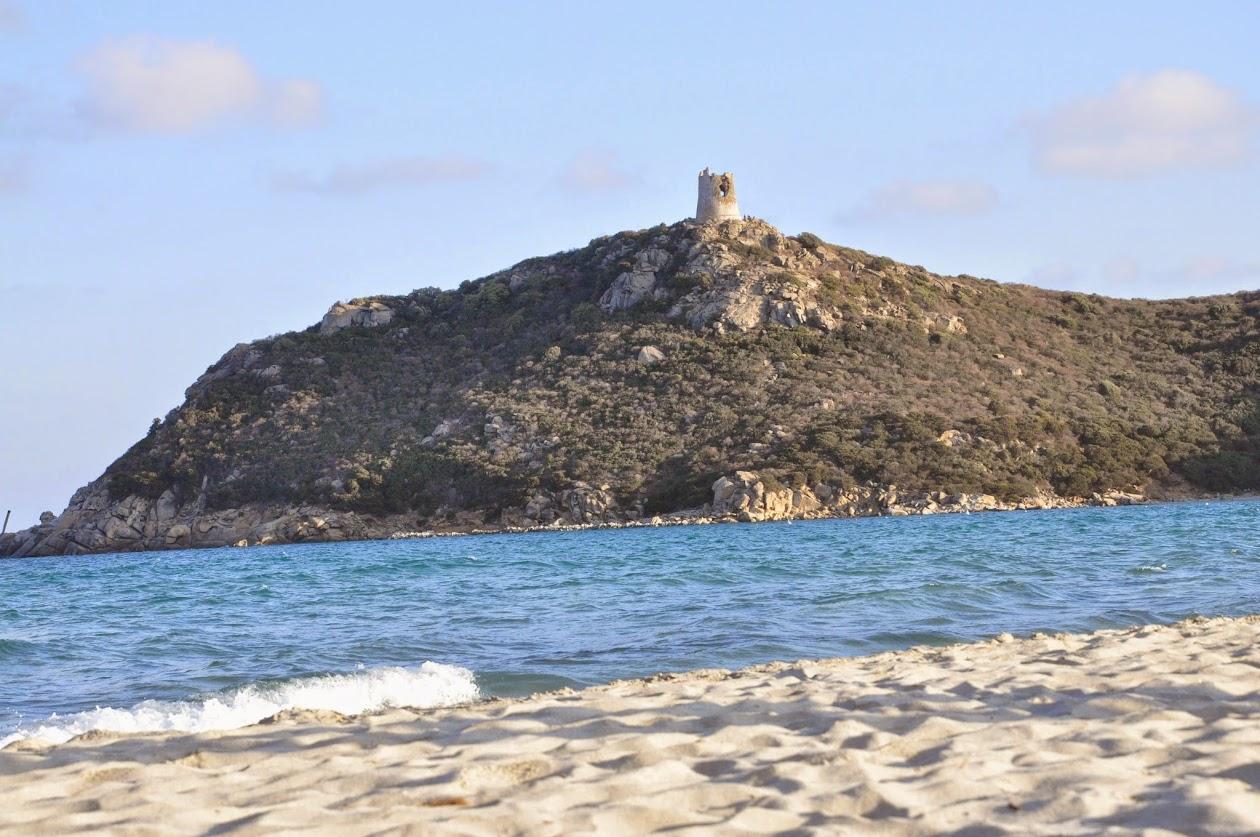 Башня море и песок