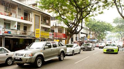 The very busy Jalan Alor food street just off Bukit Bintang