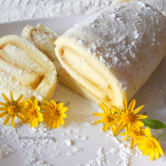 Pineapple Decorated Cake: Swiss Roll/Jam Roll With Pineapple Jam.....step-by-step