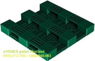 Pallet nhựa Thái Lan chứa thùng phuy