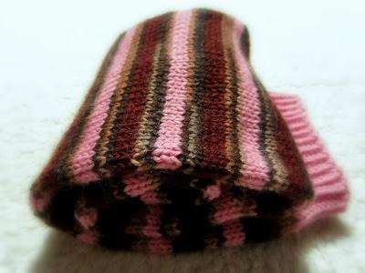 Pinkkiraidallisten sukkien värit paremmin kohdallaan