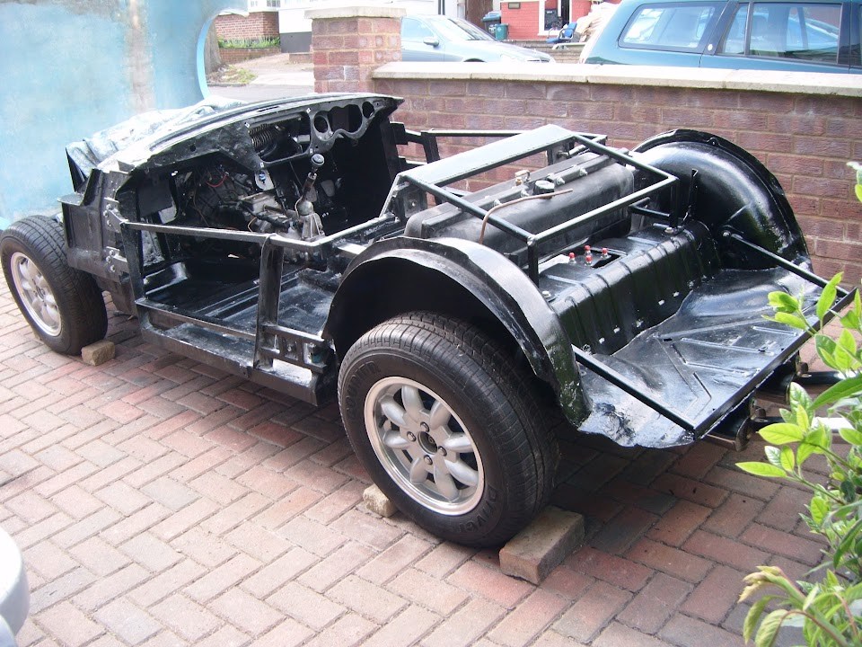 fibreglass body fitting on chassis - Madabout Kitcars Forum