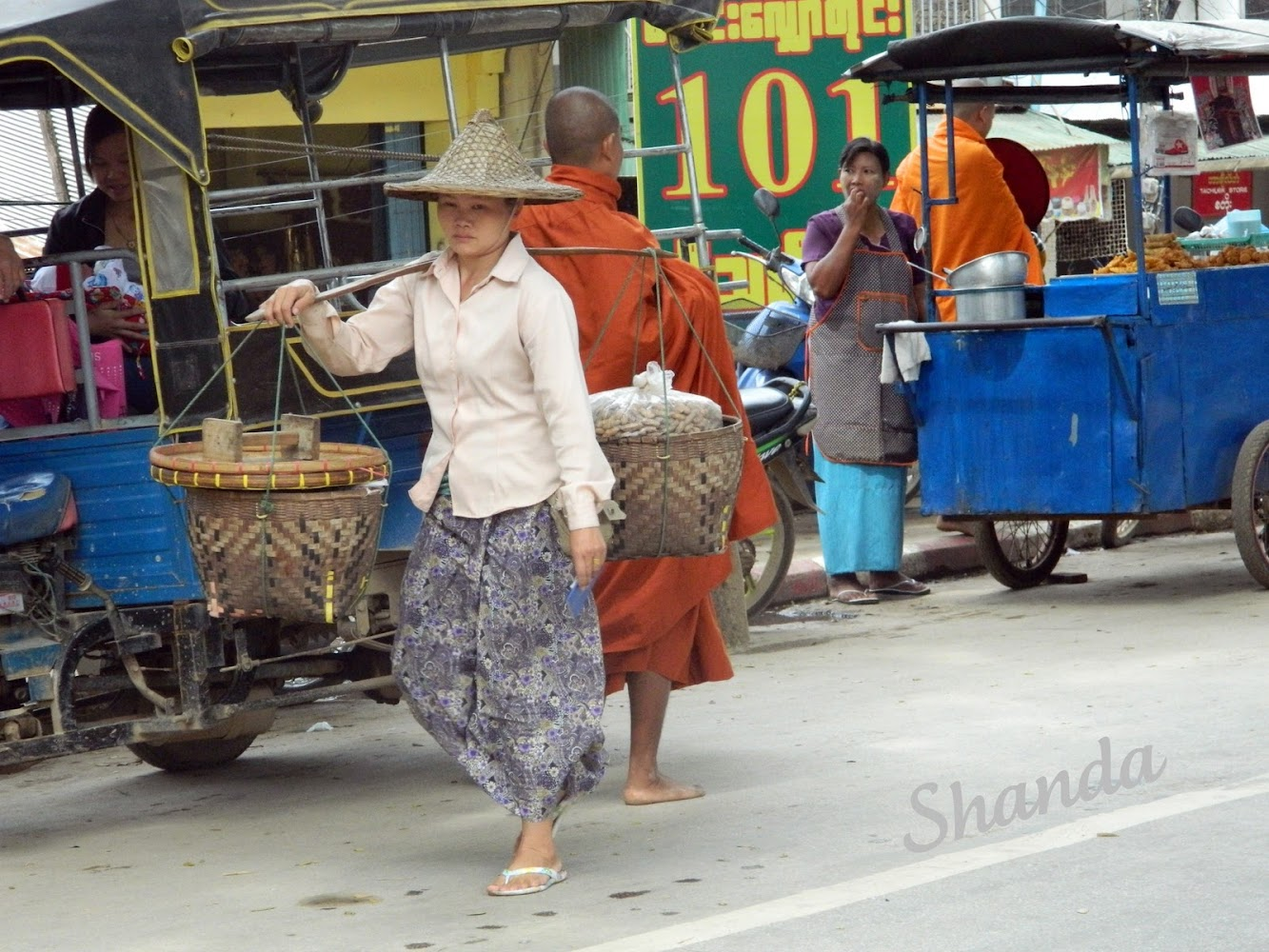 Women of Mae Sai, Thailand / In Search of Beauty Photo Blog Hop