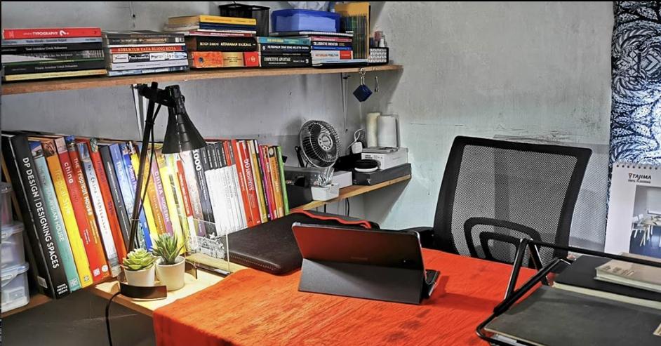 Inspirasi dekorasi area atau ruang kerja - source: instagram.com/eko.cahyo.saputro/