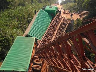 Le pont Lindi à Bafwasende écroulé à cause des véhicules qui ne respectaient pas leur tonnage