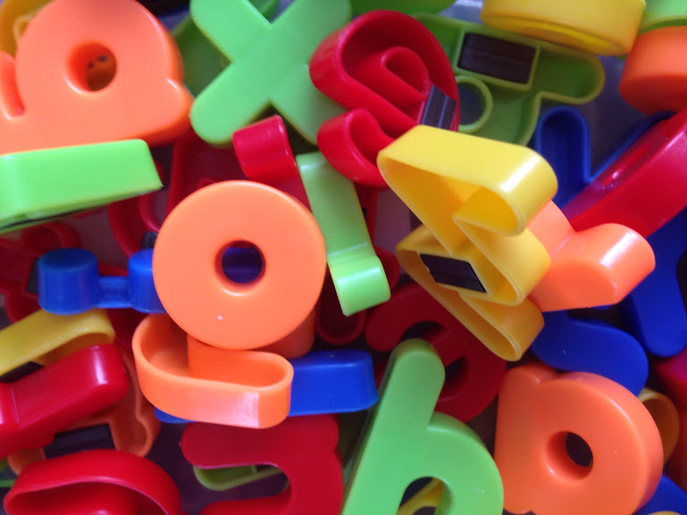 Colour sorting with magnetic letters