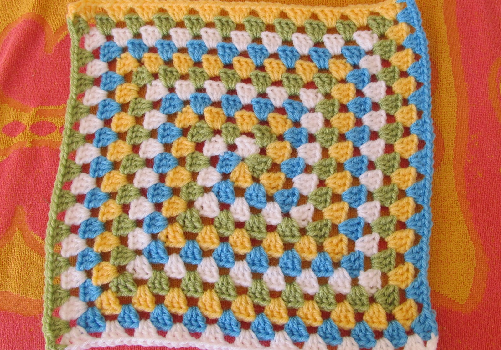 SmoothFox's Spiral Granny Square or Blanket - Free Pattern