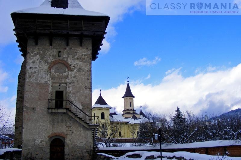 turnul si biserica noua manastirea humor