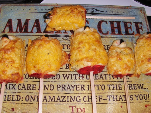 photo of cheesy bread finger stakes