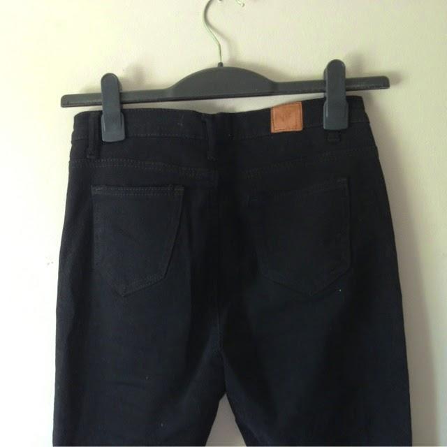 Sammi Jackson - Choies Black Ripped Jeans