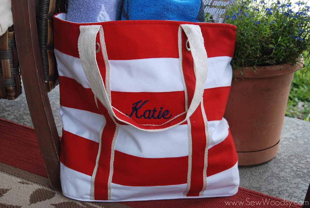 This Is Right Up My Alley And Living In Florida One Can Never Have Too Many Beach Bags Plus I Don T Own A Monogramed Bag