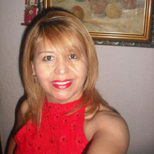 Elizabeth Linarez Photo 12