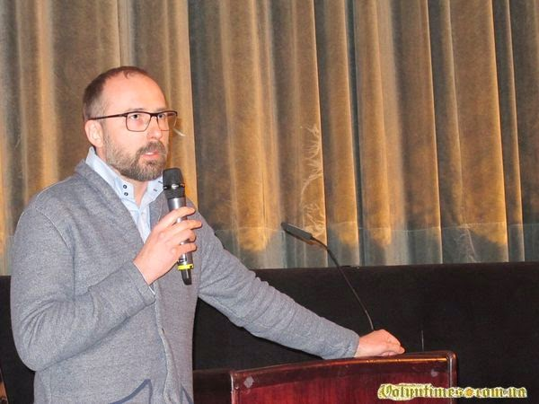 Дискусія після фільму з продюсером #BABYLON'13 Ігорем Савиченко