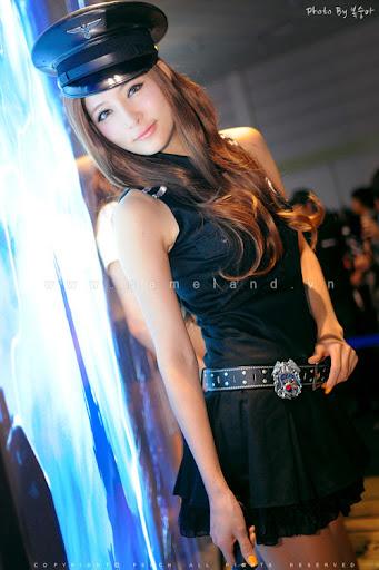 Nữ cảnh sát gợi cảm tại Dungeon & Fighter Festival 7