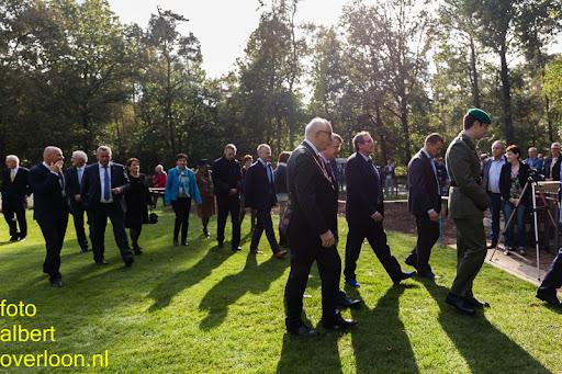 herdenkingsdienst  en een stille tocht naar het Engelse kerkhof 12-10-2014 (88).jpg