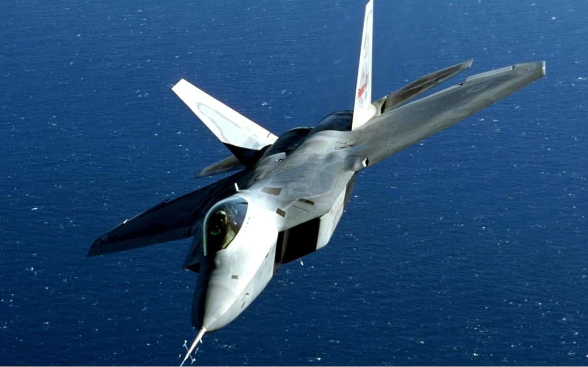 F-22 Raptor Stealth Fighter Jet Wallpaper 2
