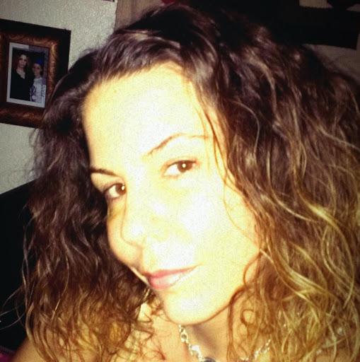 Kelli Alves