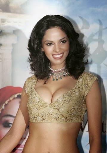 Malika Sheravat sexy