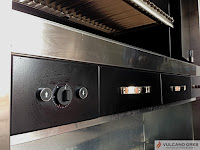 Parrillas Vulcano Gres Modelo Oporto Parrillas a medida especialmente diseñadas para hostelería.  Con sistemas de elevación automática, ascuador acelerador de brasas, cajón recto cenizas y recoge grasas.  Medidas estándar o a elegir.  www.vulcanogres.con oscar@vulcanogres.com Tel. 0034-651039750