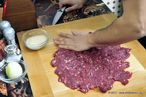 Razvan Anton - carne de vita pentru hamburger