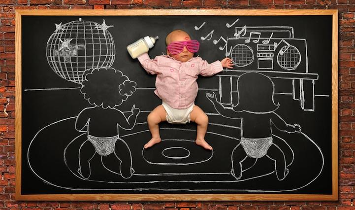 *嬰兒的奇幻黑板冒險:趁熟睡中惡搞一番! 10