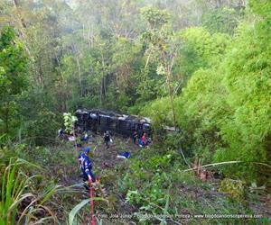 Ônibus do cantor Dorgival Dantas sofre acidente