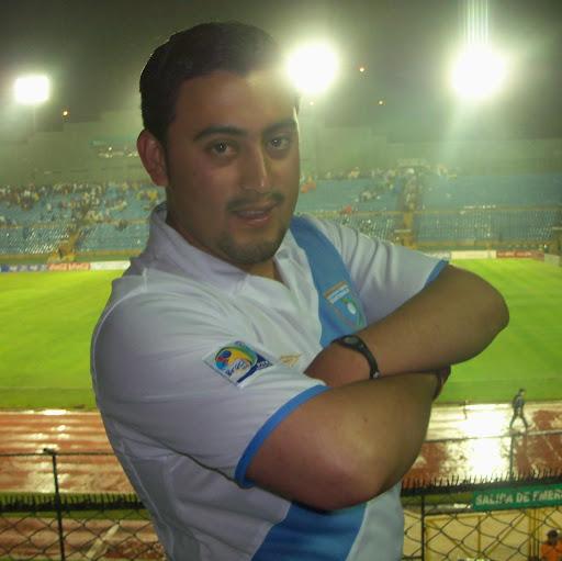 Melvin Velasquez Photo 16