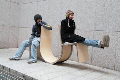 swingers3 600x400 Bermain Jungkat Jungkit Di Ruang Publik