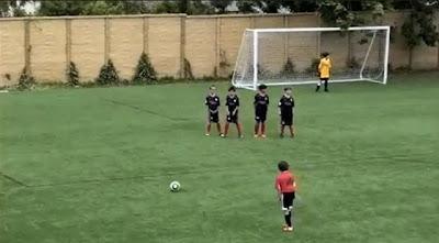 Criança prodígio! O próximo Lionel Messi?