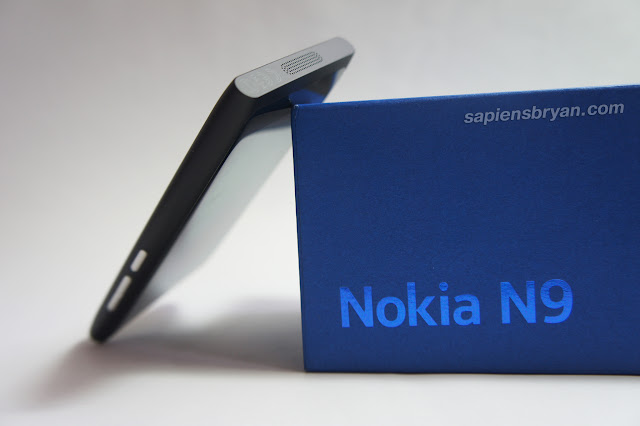 Bottom View Of Nokia N9