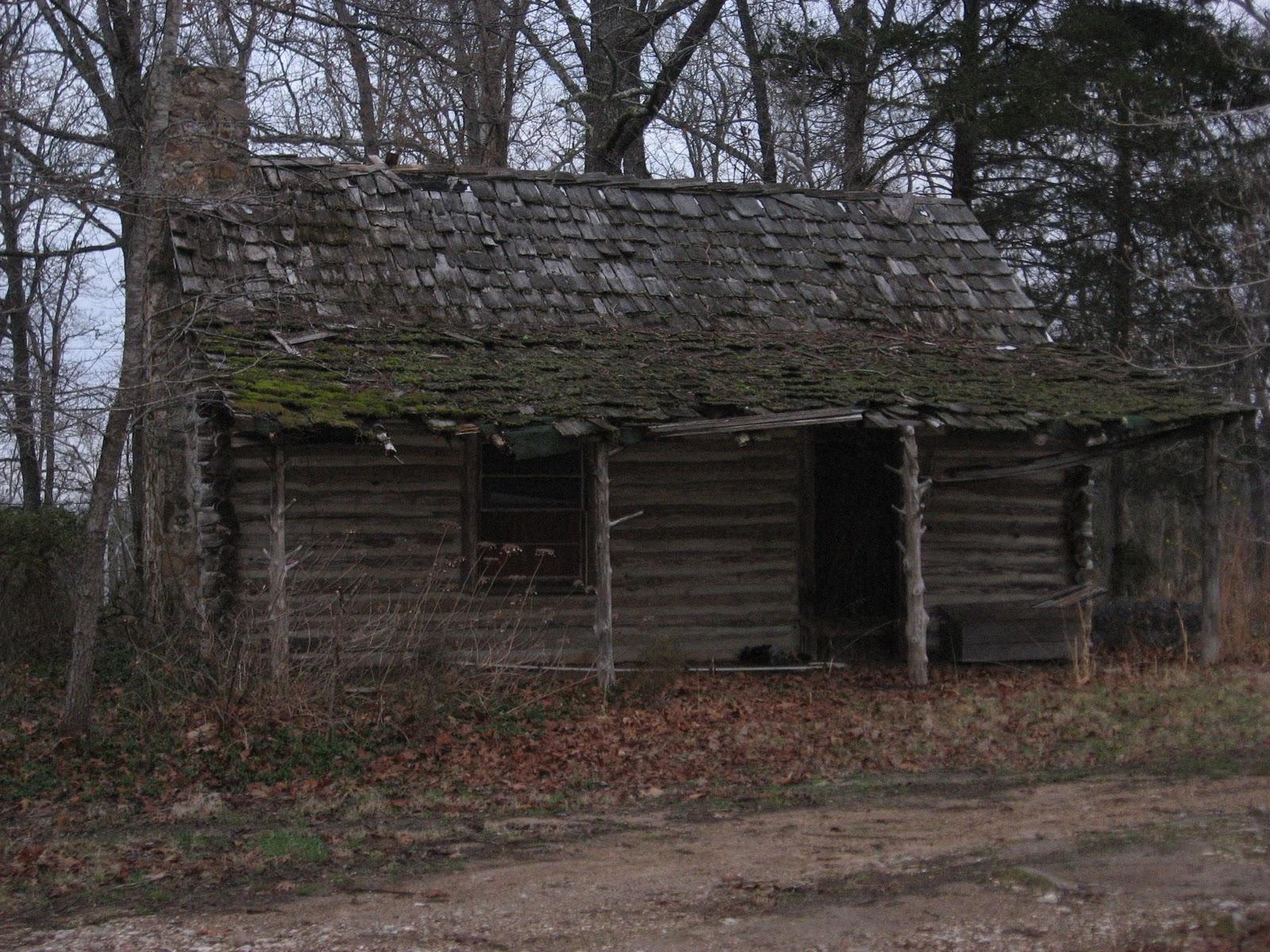Ozarks tiny cabins blog old log cabins for Old rustic cabins