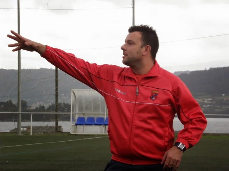 Marcos Amor adestrador do equipo de Modestos e Biberóns do Numancia.