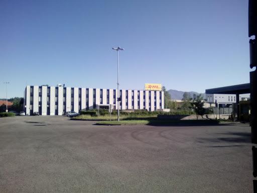 DHL Express, Via R. Mantero, 8, 22079 Grandate CO, Italia, Servizi di  trasporto, state Lombardia