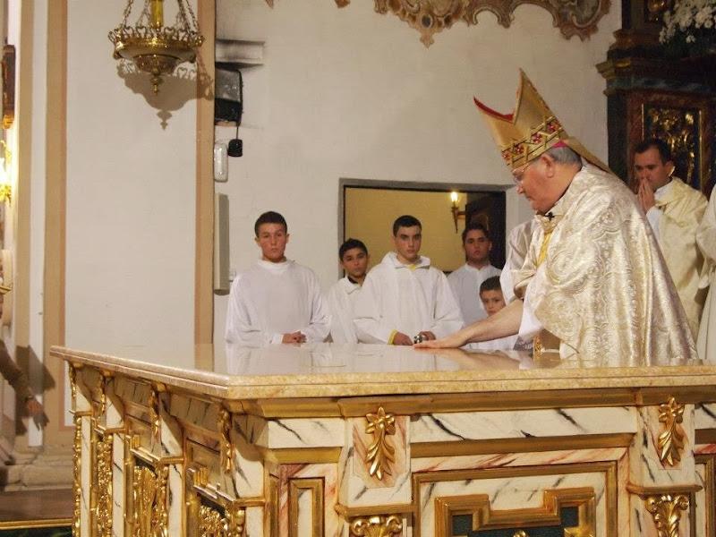 Unción de la losa del altar