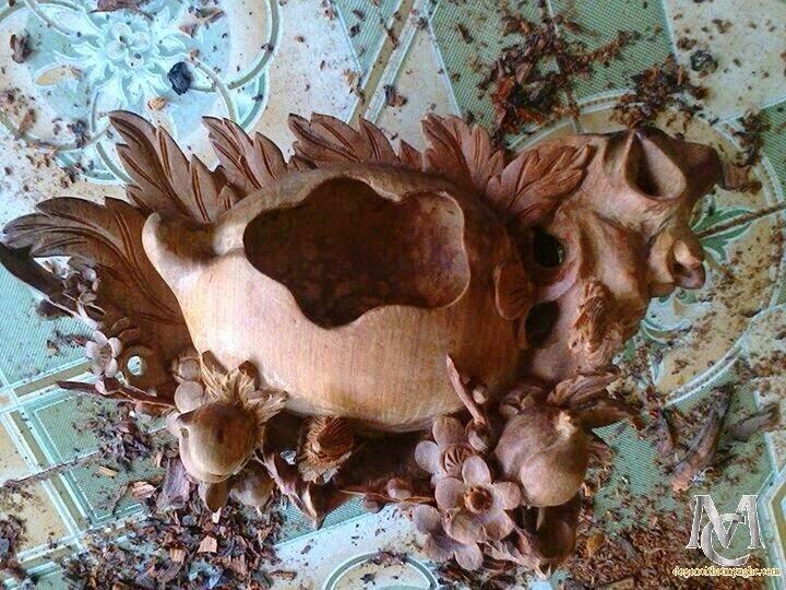 Gạt tàn thuốc lá bằng gỗ gụ - gỗ hương