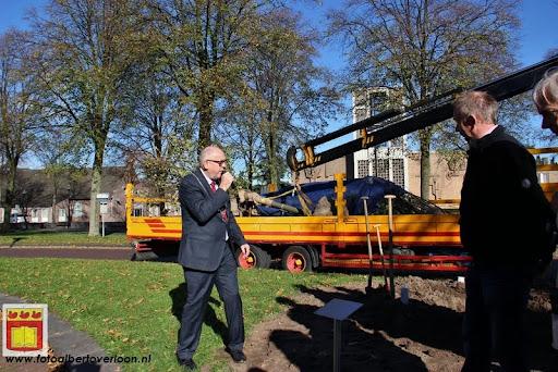 burgemeester plant lindeboom in overloon 27-10-2012 (10).JPG