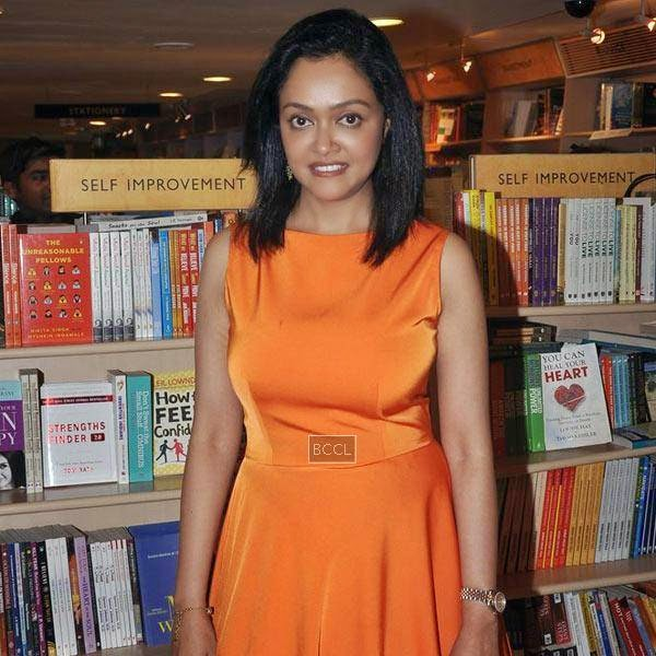 Dr Rashmi Shetty poses for the cameras during the launch of her book 'Age Erase', held at Crossword, on July 11, 2014.(Pic: Viral Bhayani)