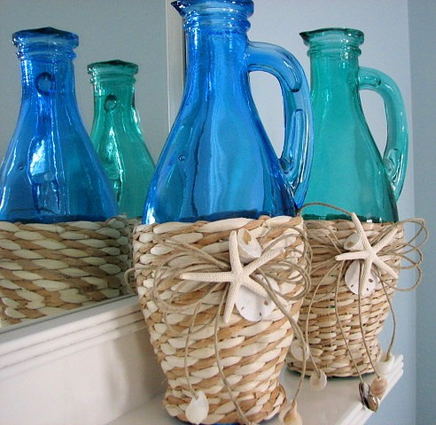 Seaside style how to decorate with vintage bottles - How to decorate old bottles ...