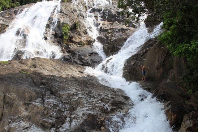 Водопад Праи Ван (Phrai Wan Waterfall, น้ำตกไพรวัลย์)